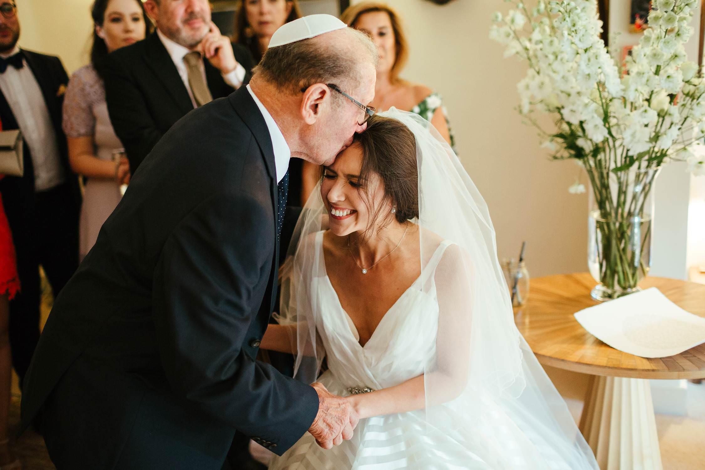 Buckinghamshire-Wedding-Photography-31