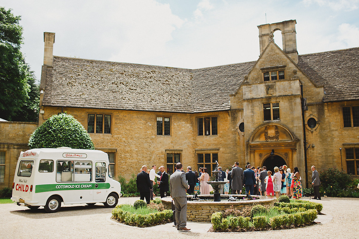 Foxhill Manor drinks reception