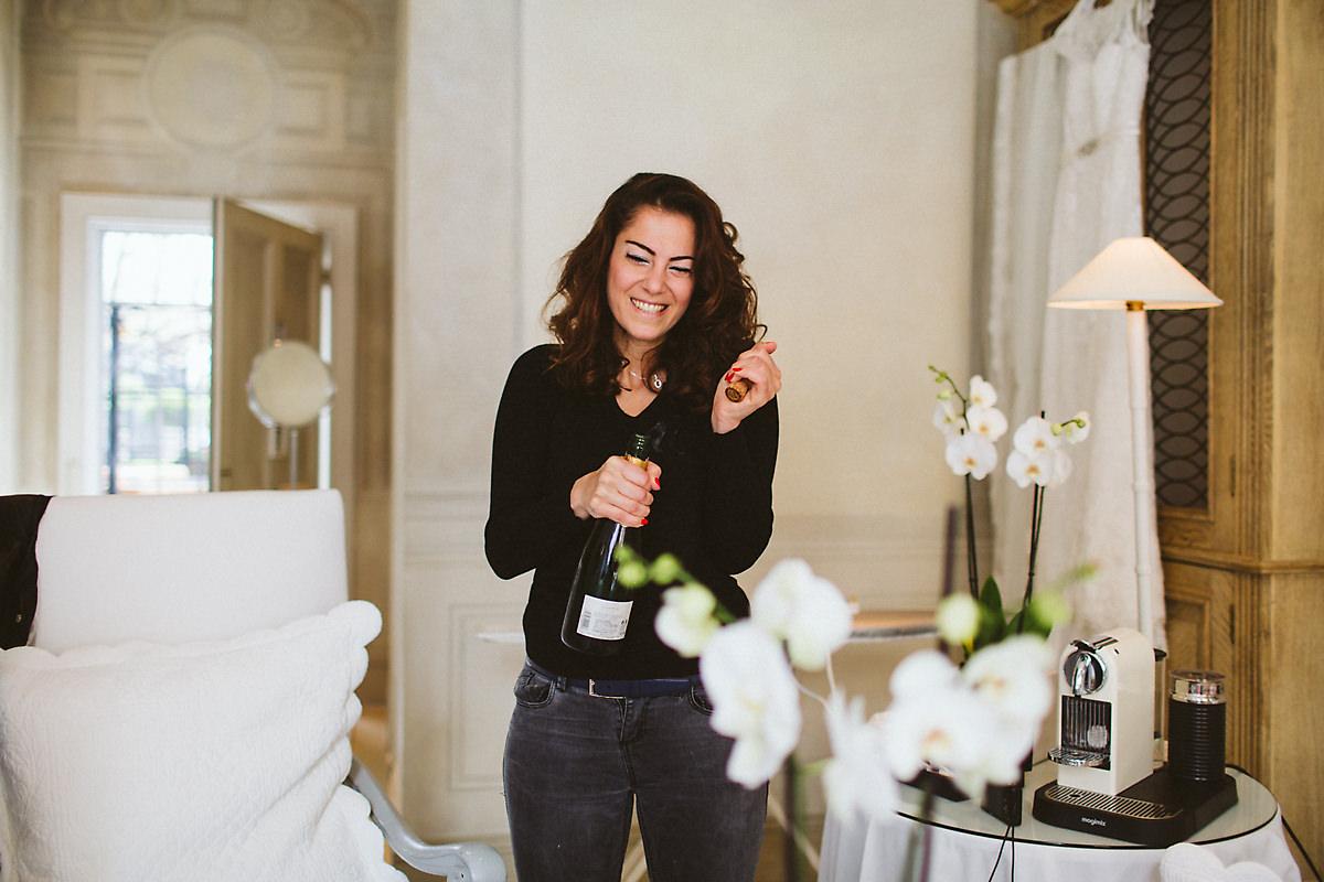 Blakes Hotel wedding champagne drinks