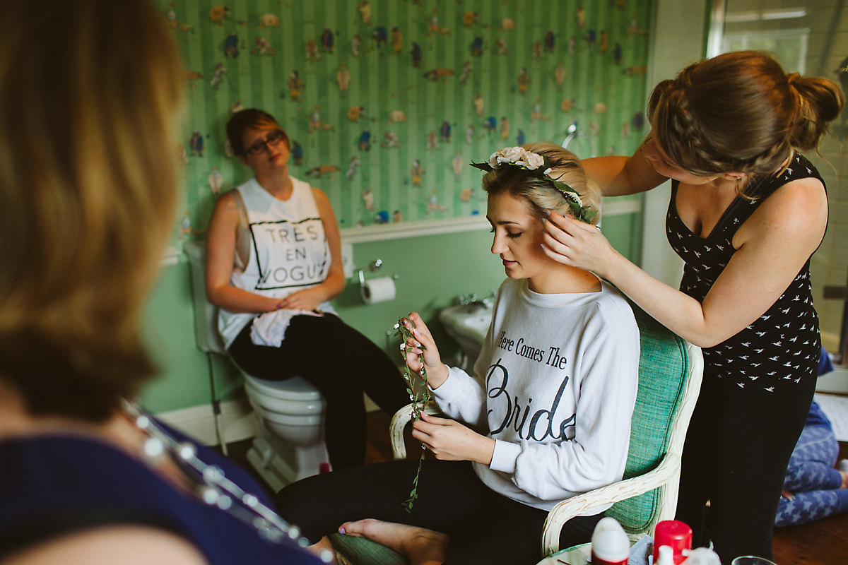 Old Bridge Hotel bridal prep photography