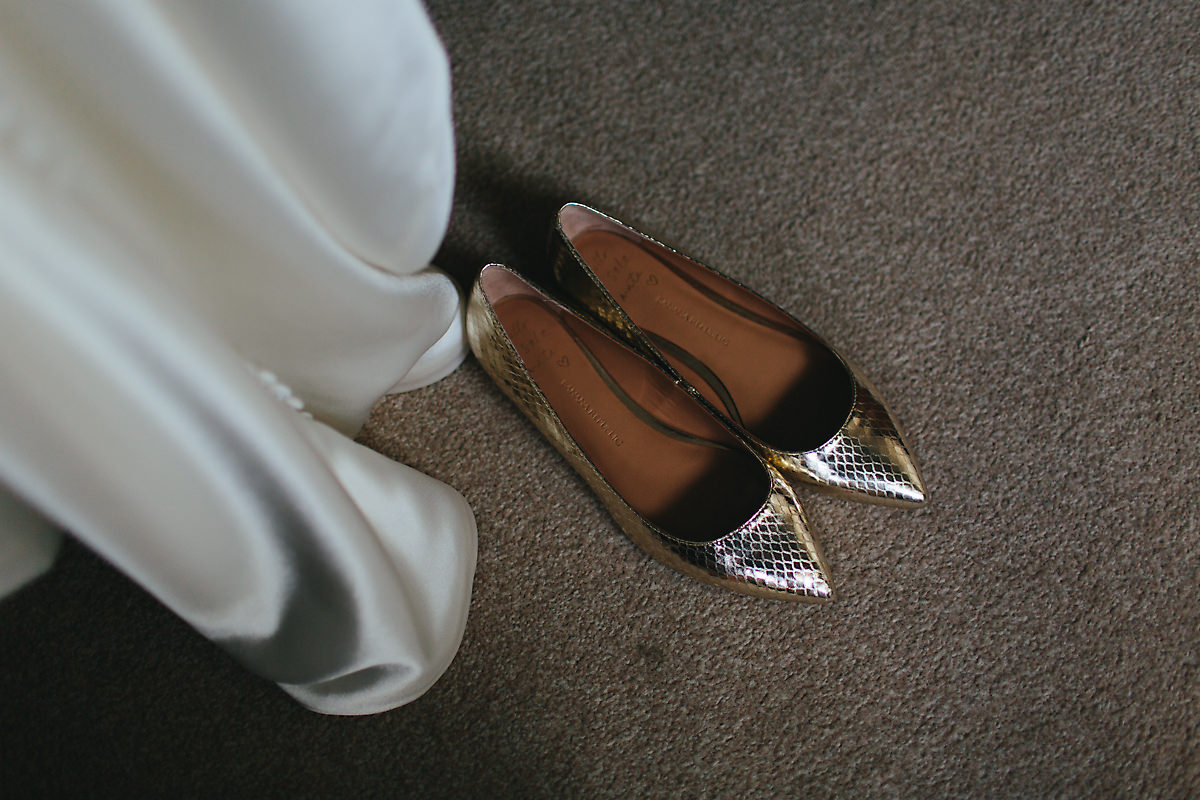 Flat golden wedding shoes