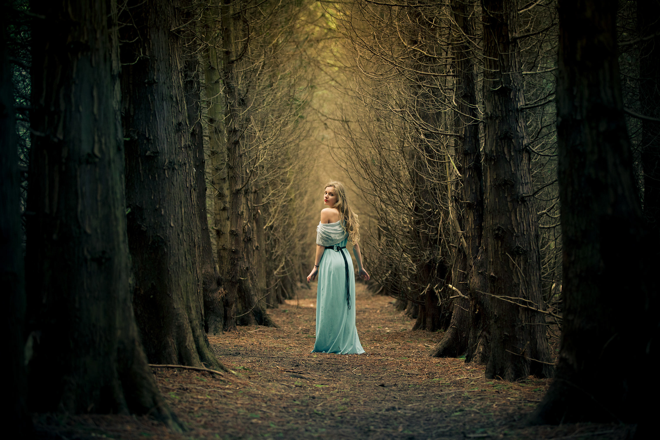 Into the woods theme portrait session