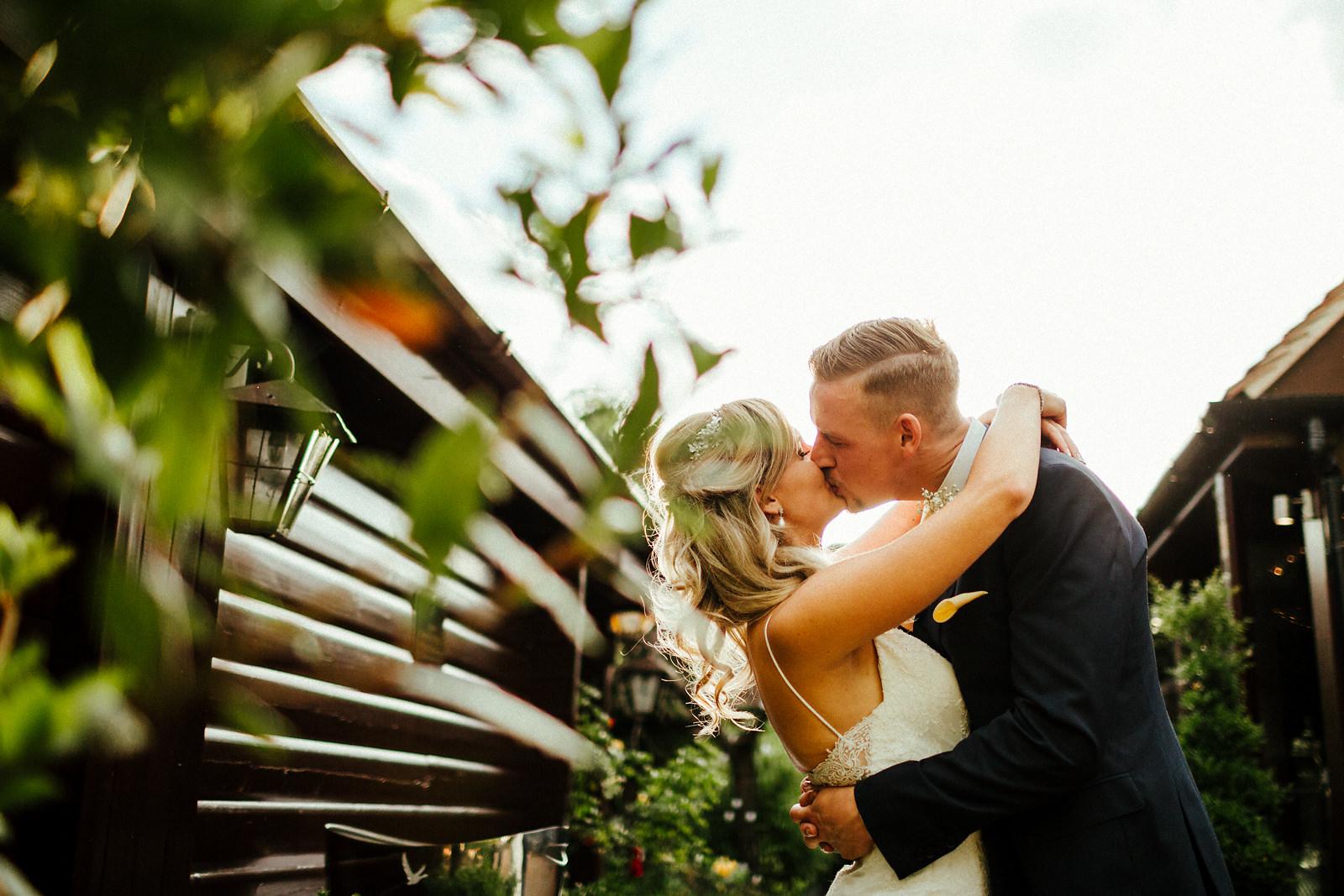 Creative wedding photographer in Oxfordshire