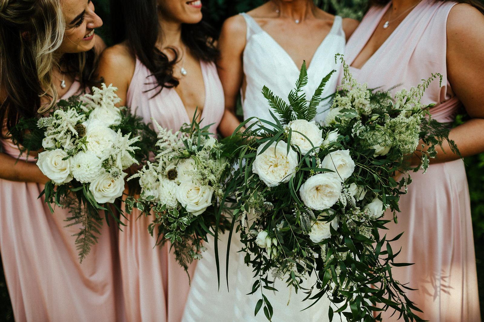 White and green jewish wedding flowers