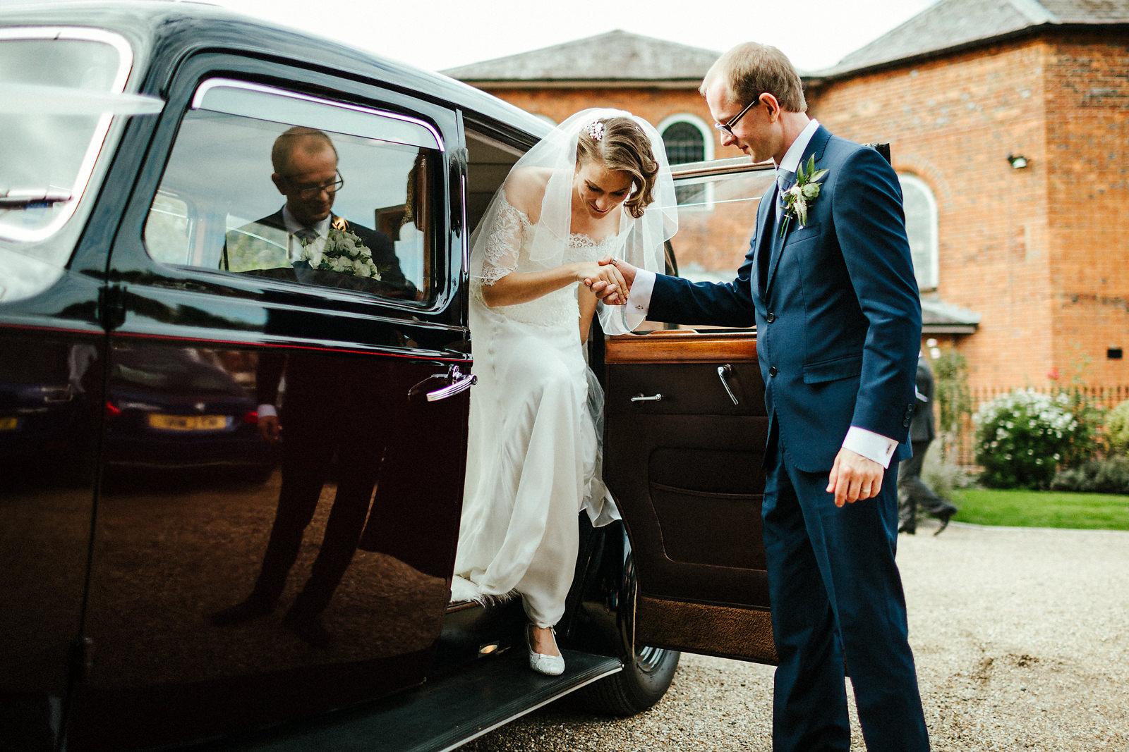 Bride and groom arrive at Kings Chapel in September wedding
