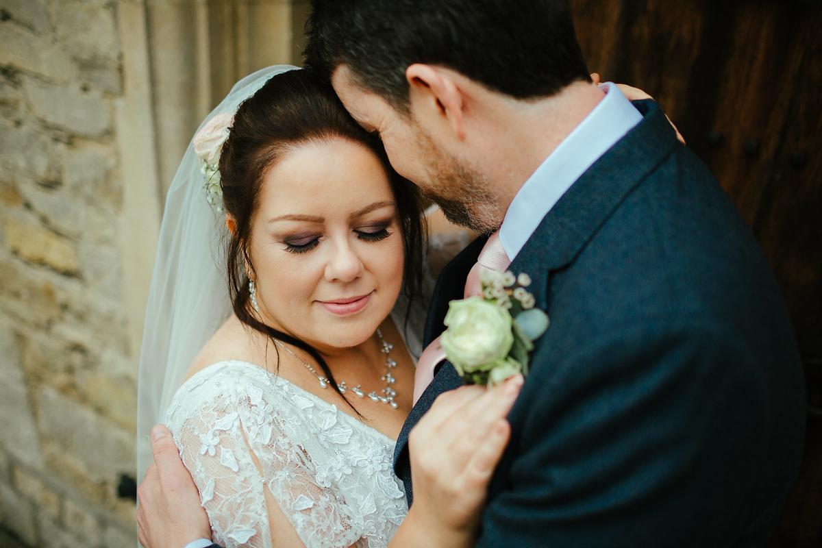 Natural Notley Abbey wedding portraits