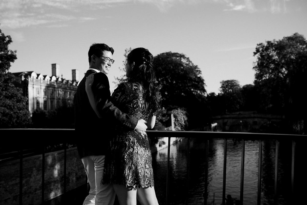River cam pre-wedding photography