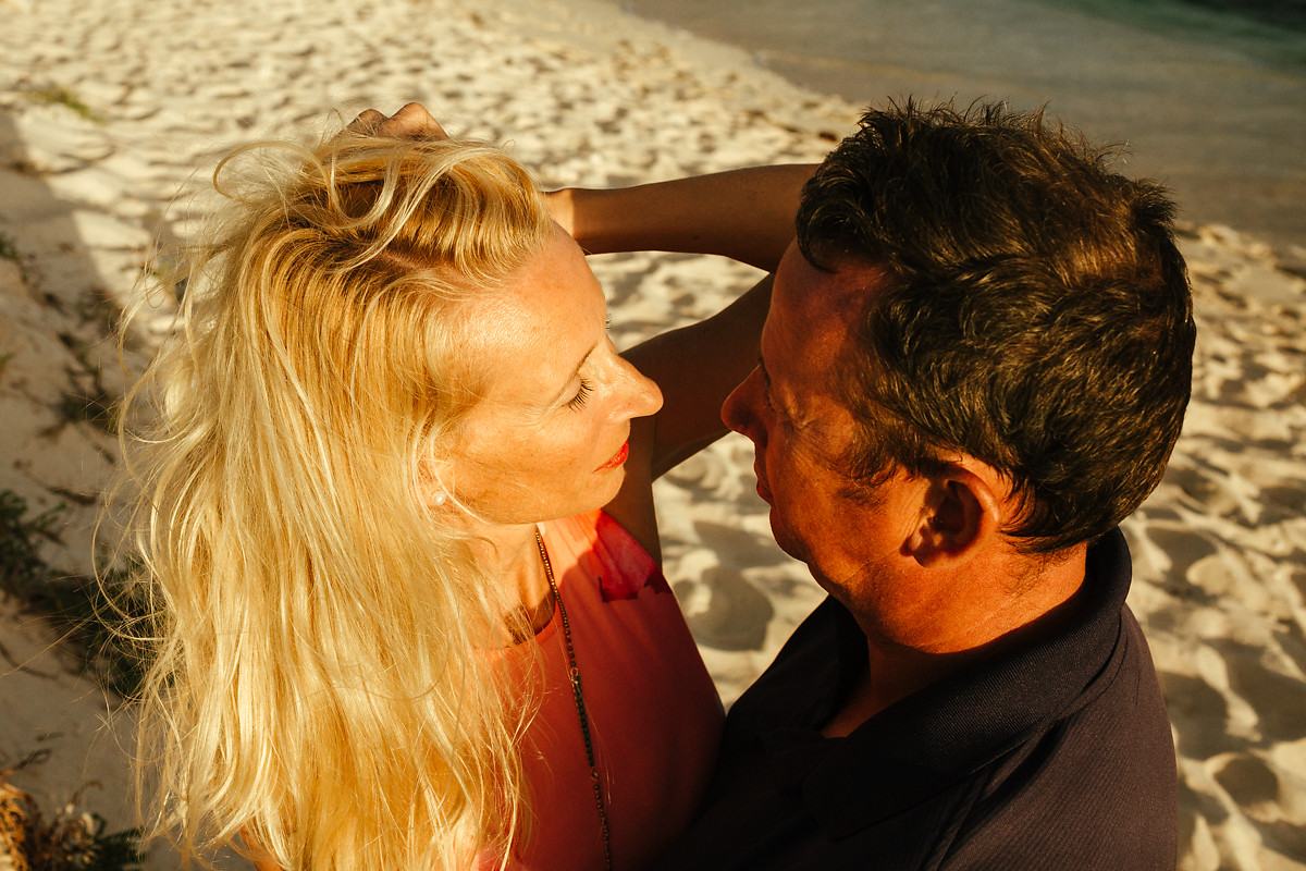 Best desert island couples photoshoot