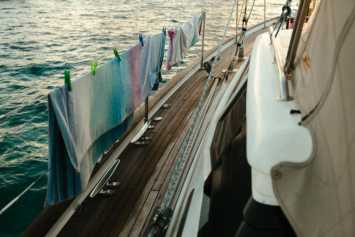 How to dry your clothes on sailing boat