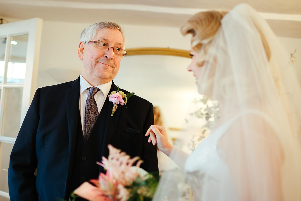 Dad and bride meeting