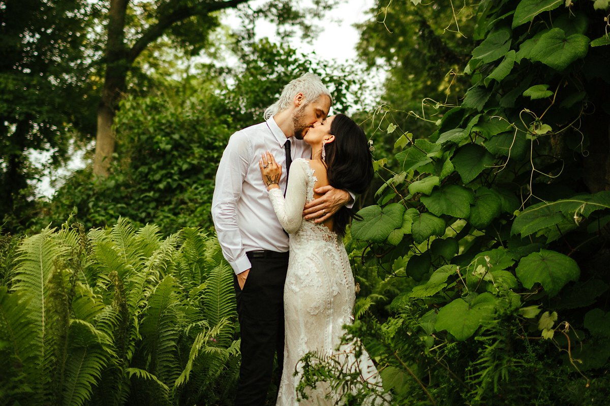 Romantic wedding photography in Buckinghamshire