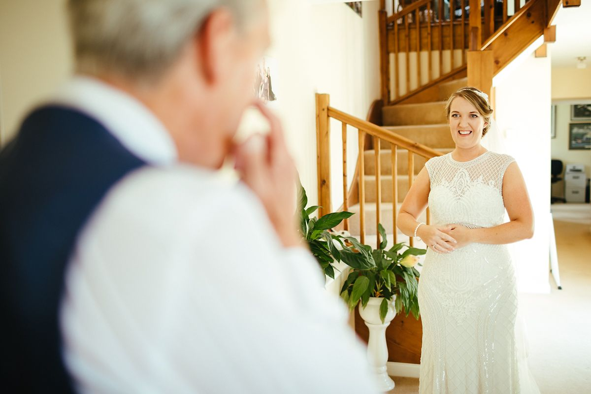 Bride meeting her dad