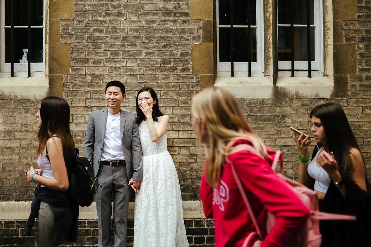 Cambridge pre-wedding photos around the colleges