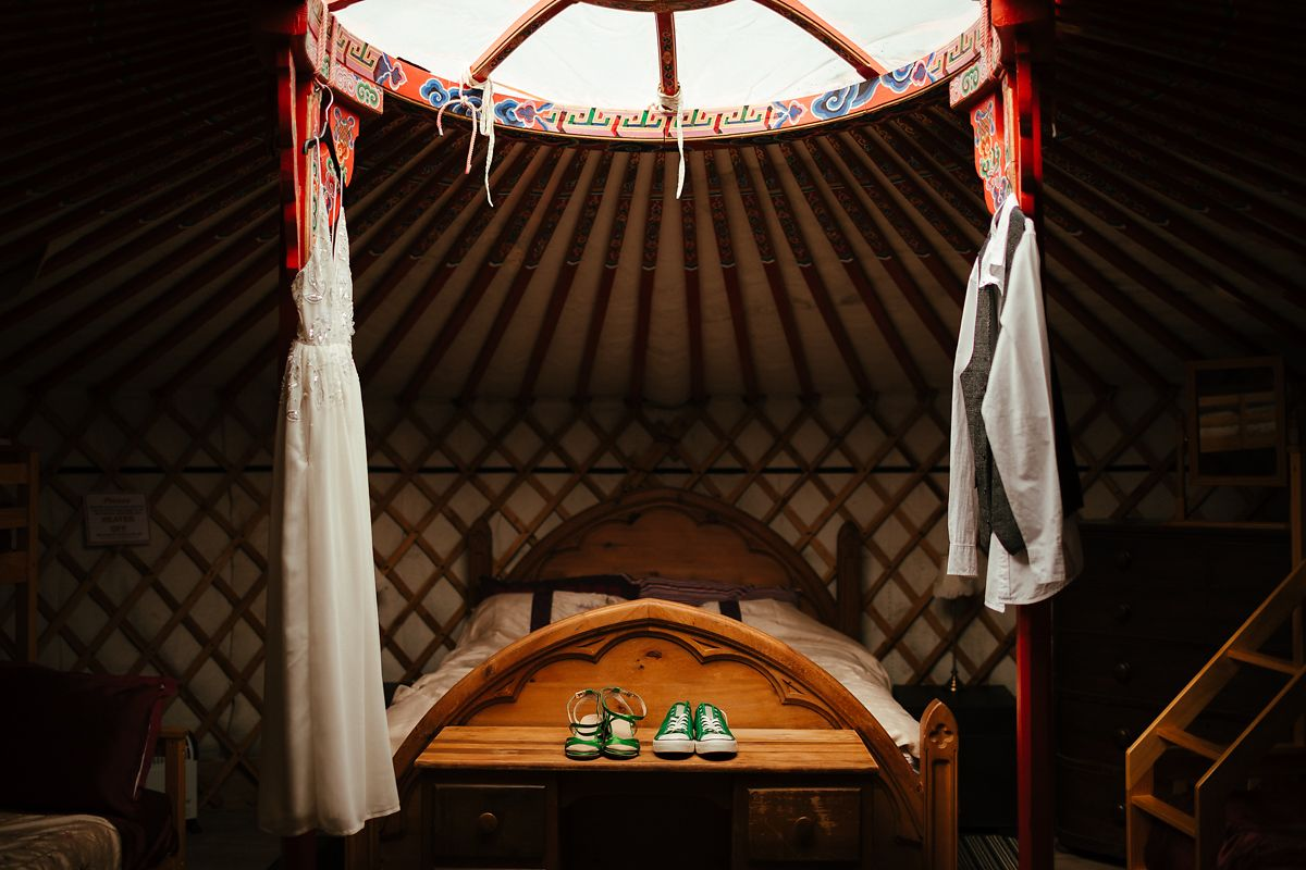 Barnutopia glamping wedding photographer