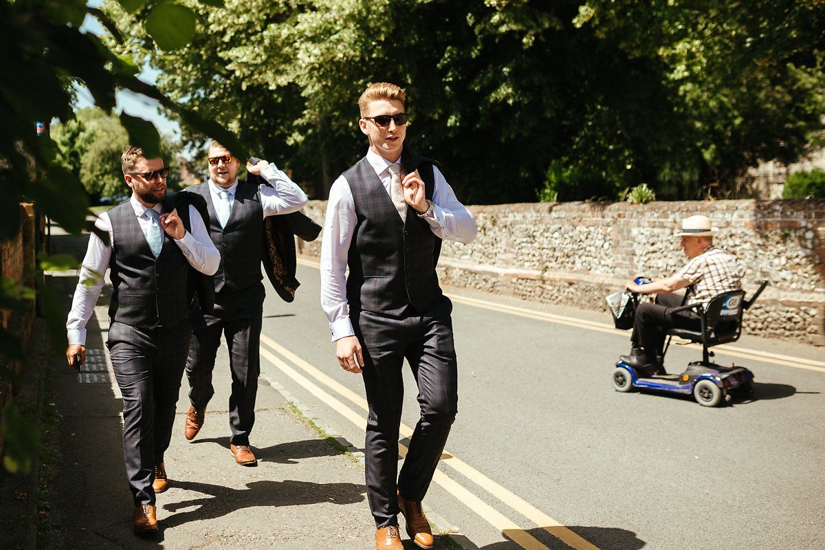 How to walk to a wedding