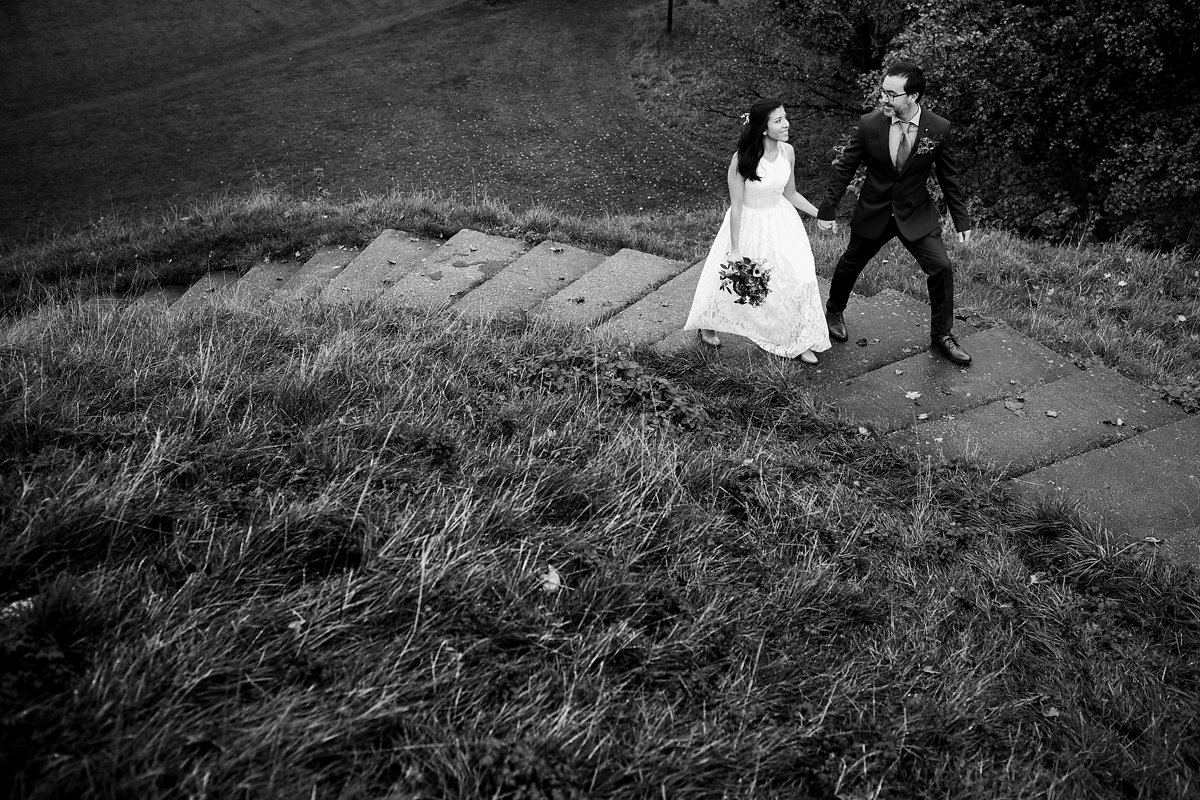 Intimate autumn wedding photography