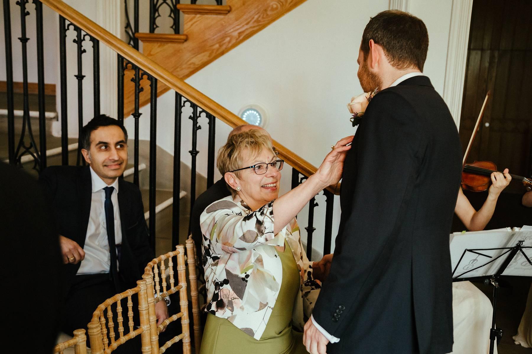 Mums jobs before wedding ceremony